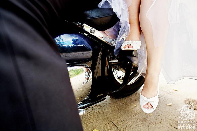 Fotografia ślubna Białystok, zdjęcia ślubne podlaskie, Adam Rogala fotograf, Coffee Bean Studios, coffeebeanstudios.pl, reportaż ślubny, piękna suknia ślubna, najlepsze zdjęcia z wesela, wspaniała historia, piękna para młoda